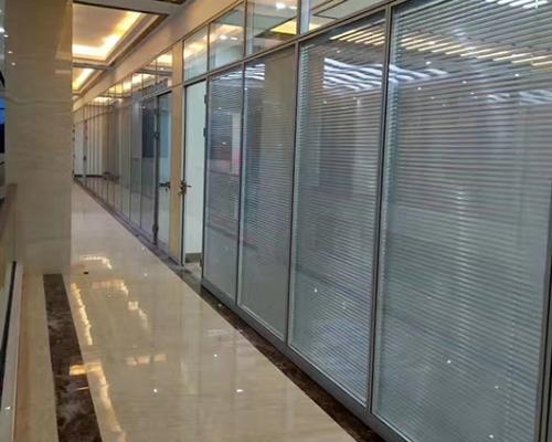 室内玻璃隔断墙规格